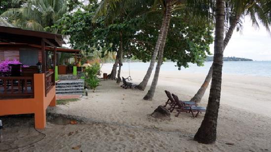 แซนด์ซี รีสอร์ท แอนด์ สปา: Beach bungalows