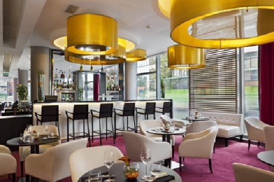 Holiday inn paris porte de clichy europe hotel reviews photos price comparison tripadvisor - Porte de clichy restaurant ...