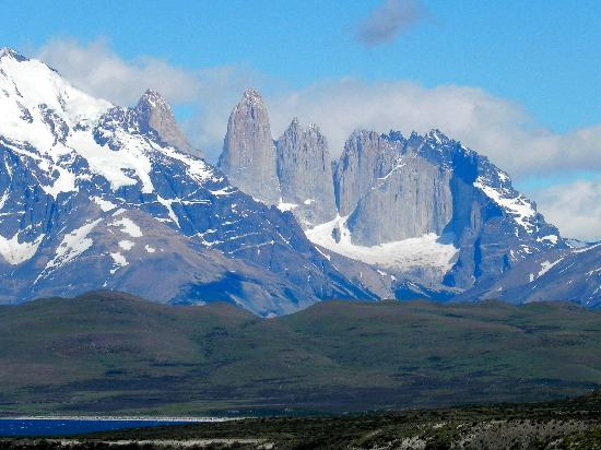 The Singular Patagonia: Paseo a Torres del Paine