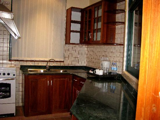 East African All Suite Hotel & Conference Centre: Fully stocked Kitchen