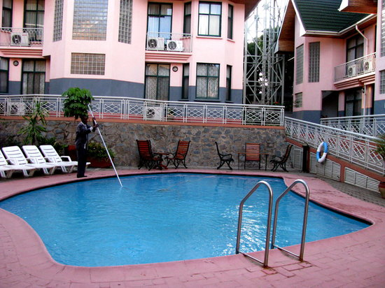 East African All Suite Hotel & Conference Centre: Courtyard Swimming Pool
