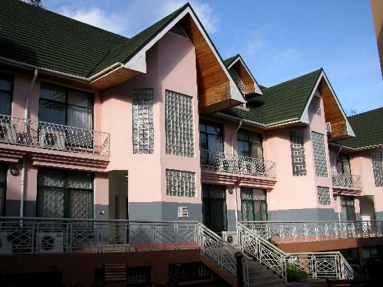 East African All Suite Hotel & Conference Centre: No elevators at East African All Suites Hotel