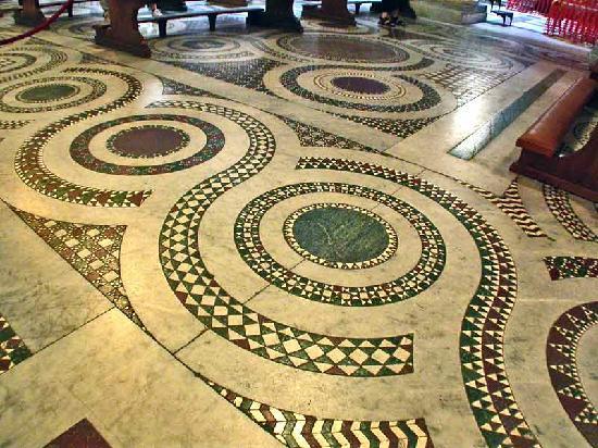 I bei pavimenti foto di santa maria in trastevere roma for Piscina g s roma 53 roma