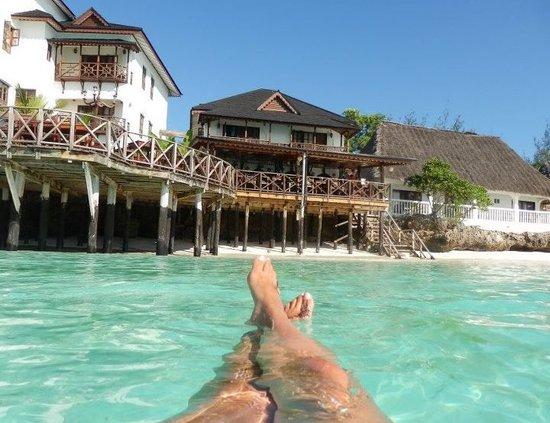 Langi Langi Beach Resort
