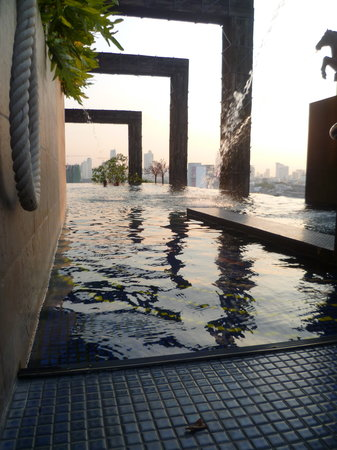Siam@Siam Design Hotel Bangkok: the pool looks great but is cold and hard to enter
