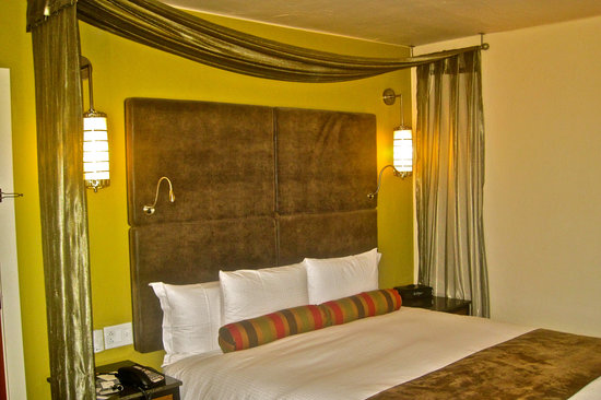 Hotel Andaluz: Sleeping room