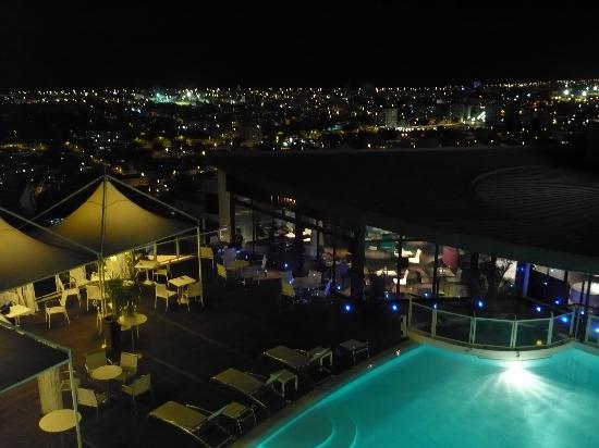 Hotel Bellepierre : vue nuit