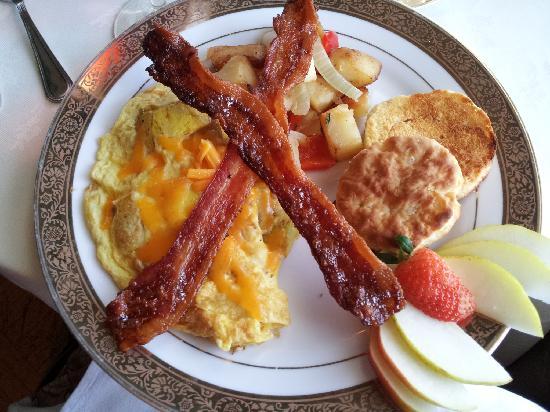 Belvedere Mansion: Breakfast