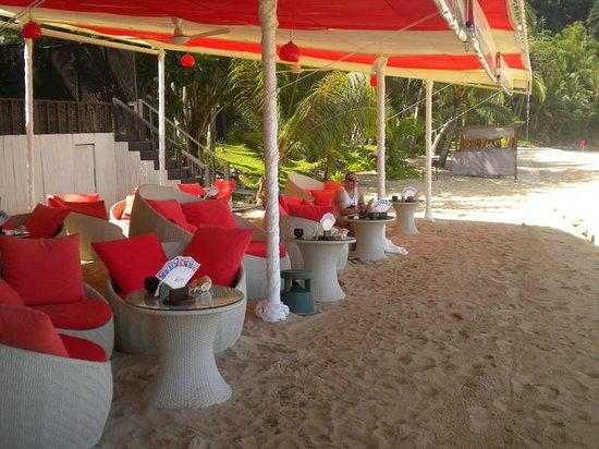 Andaman White Beach Resort: Beach Bar