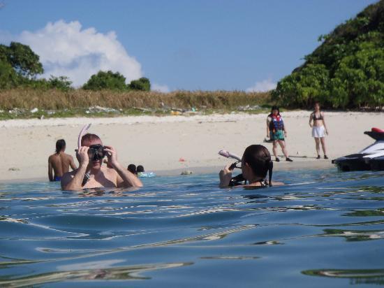 Seeman Watersports: Snorkeling -Intan kecil island