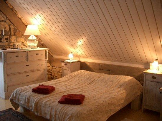 Káli Art Inn: White room