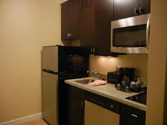 TownePlace Suites Williamsport: Kitchen