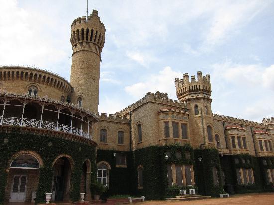 Bangalore Palace: Palace Exterior