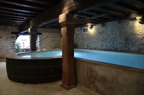 La Cour du Bailli Residence Hoteliere : la piscine