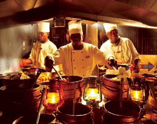 The Boma - Dinner & Drum Show: Our wonderful chefs