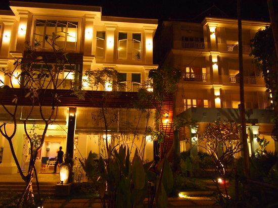 Frangipani Villa Hotel II: nice place