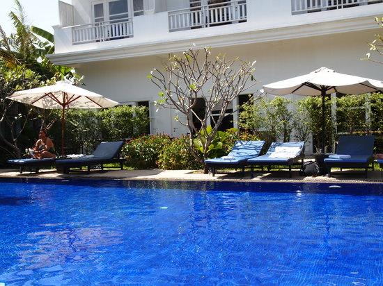 Frangipani Villa Hotel II: nice swimming pool