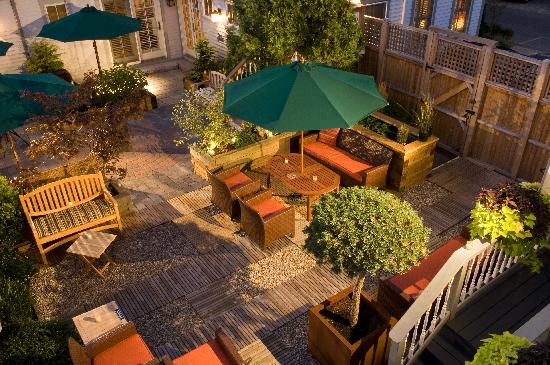 Carpe Diem Guesthouse & Spa: One of our Patios