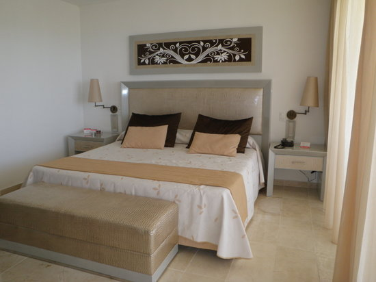 Sol Sirenas Coral Resort: beautiful suites and top notch service
