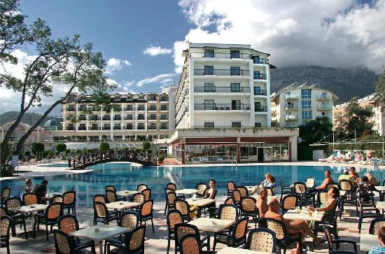 SENTIDO Palmet Resort: Pool und Aussenansicht