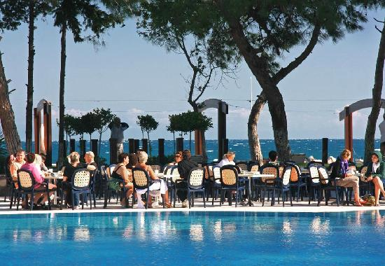 SENTIDO Palmet Resort: Pool / Strandbar