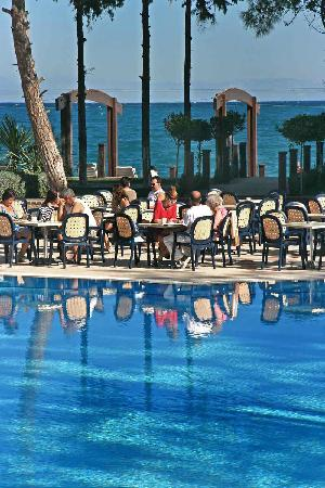 SENTIDO Palmet Resort: Poolbar / Strandbar