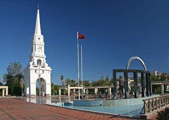 SENTIDO Palmet Resort: Kemer - im Ort