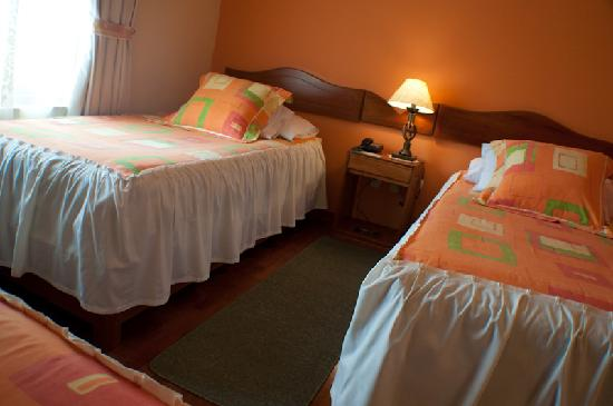 Hotel Torre Dorada: Triple Room