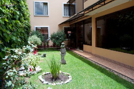 Hotel Torre Dorada: Garden