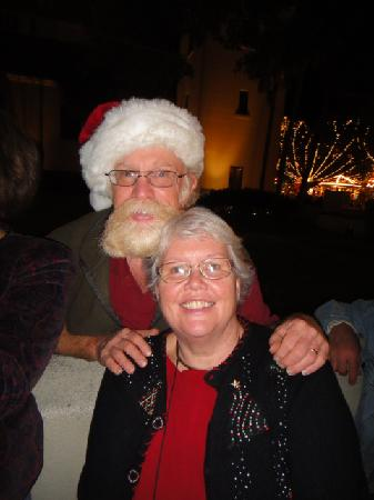 The Saragossa Inn B&B : Santa Gibbs and Peg