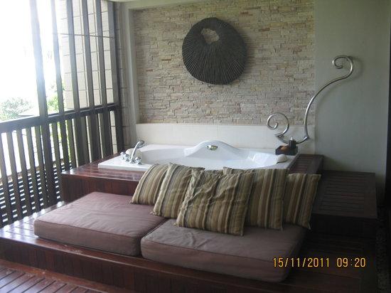 Sareeraya Villas & Suites: closet