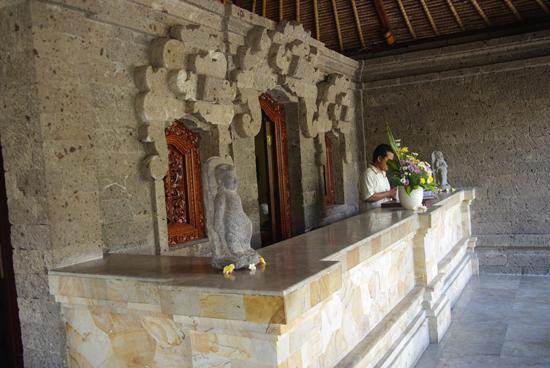 Matahari Terbit Bali Deluxe Bungalows : la réception