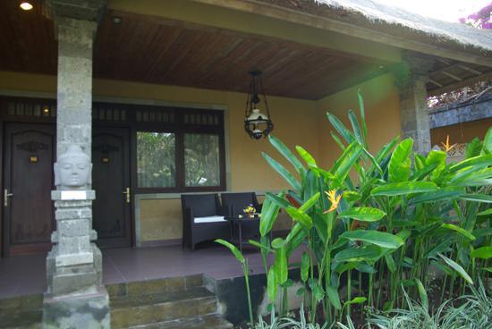 Matahari Terbit Bali Deluxe Bungalows: une chambre