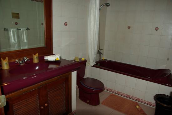 Matahari Terbit Bali Deluxe Bungalows : la salle de bain
