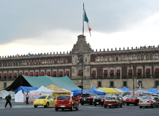 Zocalo : Palace (with tent city)