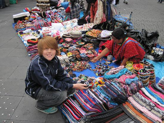 Zocalo: Buying souvenirs in front of the cathedral.