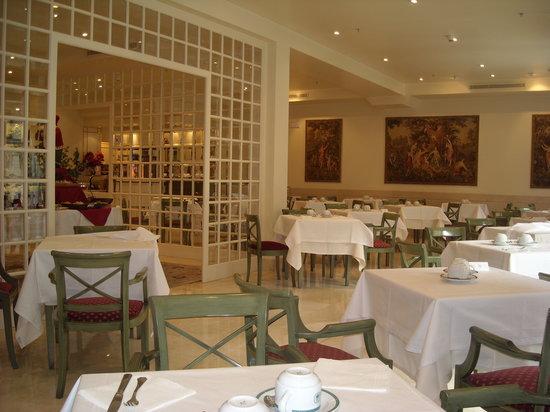 Hotel Atlantico: The breakfast room