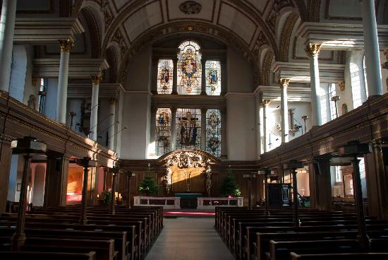 lovely church interior picture of st james s church london rh tripadvisor ie