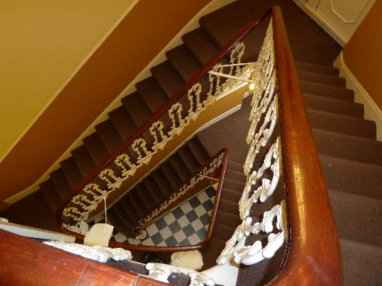 The Paddington Hotel: The stairs down from our room