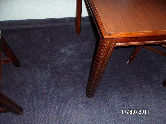 Kelly Inn Bismarck: stuff on floor room 333