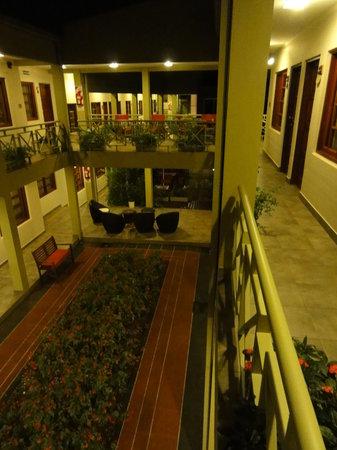 Hotel Jardin de Iguazu: Back garden
