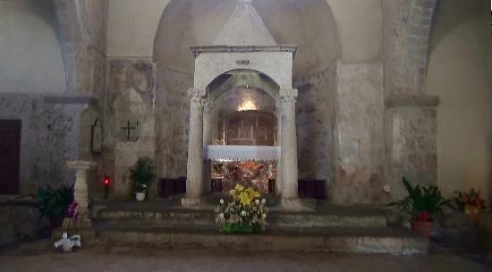 Sovana, Italy: Altare in Chiesa di Santa Maria