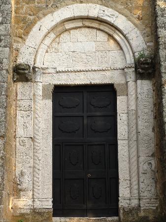 Sovana, Italy: Portale del Duomo