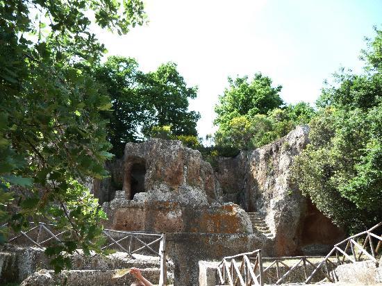 Sovana, Italia: Tomba Ildebranda nel parco archeologico