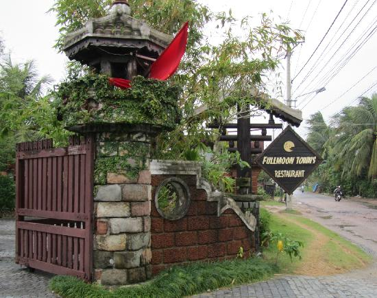 Fullmoon Town Restaurant & Bar : Entrada
