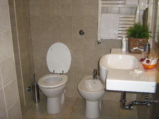 Hotel Latinum: particolari bagno