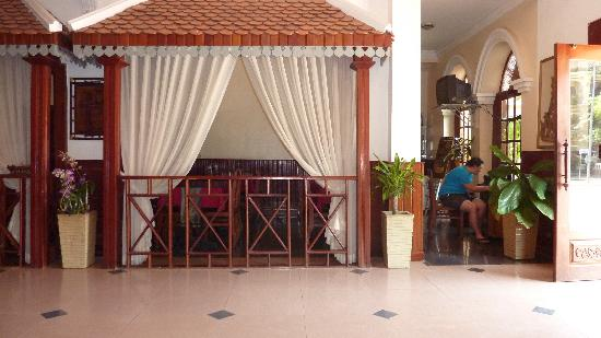 Reaksmey Chanreas Hotel: Usage of Internet next to the breakfastroom