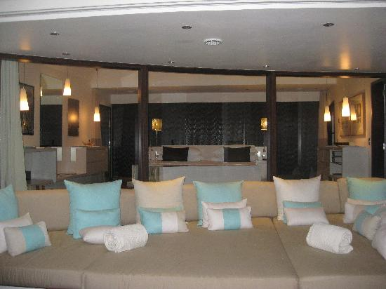 Etonnant Eden Rock   St Barths: Giant Sofa