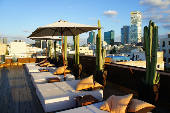 Brown TLV Urban Hotel: sundeck