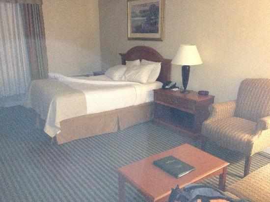 Holiday Inn - Concord Downtown: looks like they just took out the second bed.  The blower ws on the other side of the bed